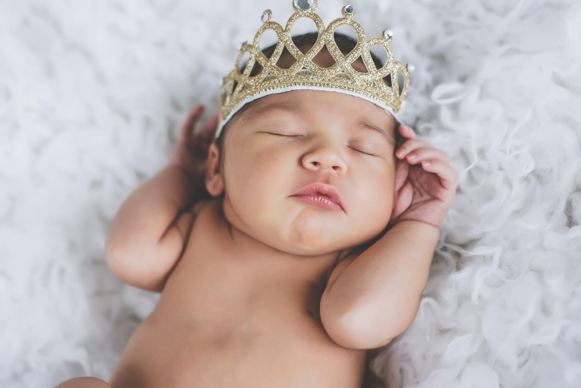 Malin, beautiful girl -newborn photo session