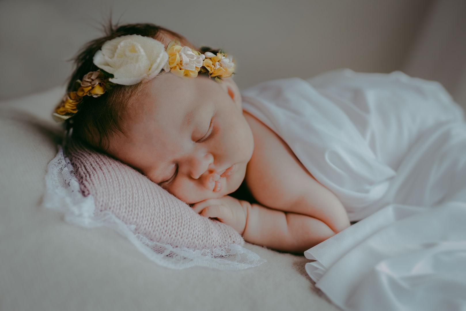 Nela – month old girl